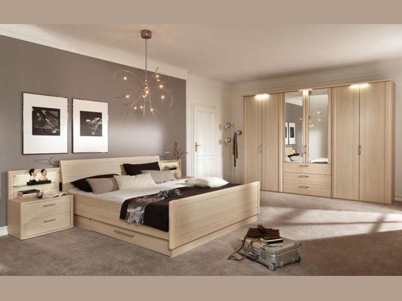 Городская спальня с потолком из гипсокартона