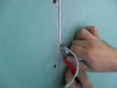 Расшивка стыков потолка из гипсокартона