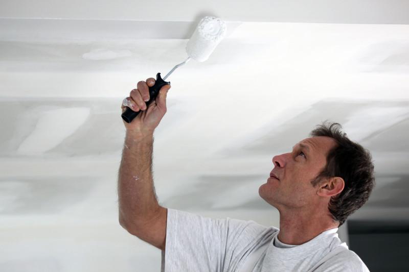 Покраска - финишный этап монтажа гипсокартона на потолок