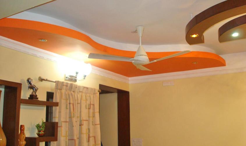 Ступенчатый потолок с волнами