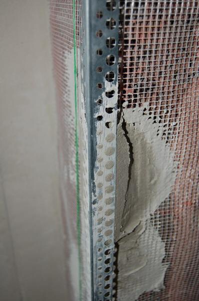 Обработка углов декоративных перегородок