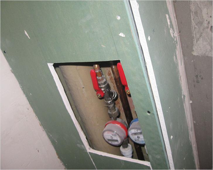 Чем закрыть канализационную трубу в туалете 112
