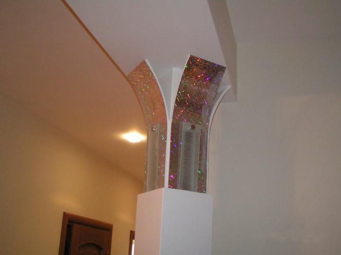 Вариант оформления колонны в интерьере
