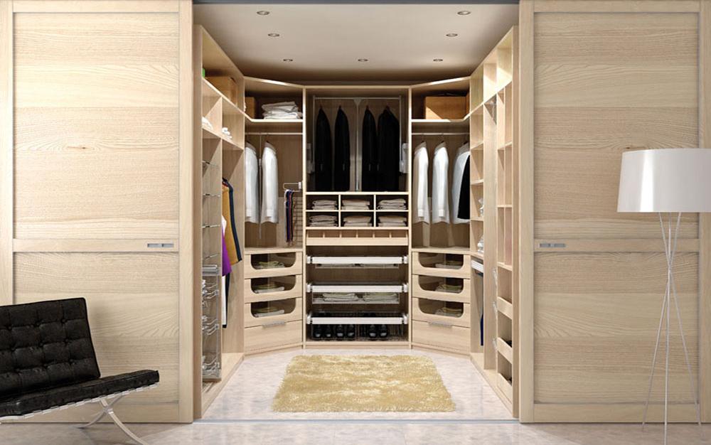 Большая гардеробная комната из ГКЛ