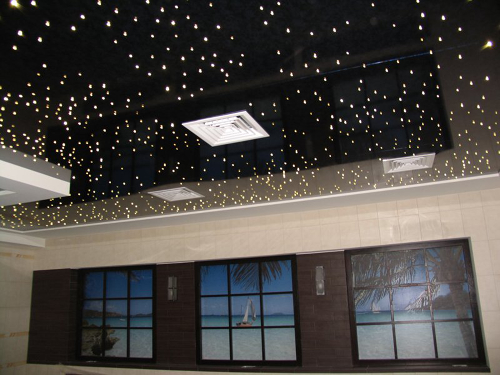 «Звездное небо» из светодиодных лампочек